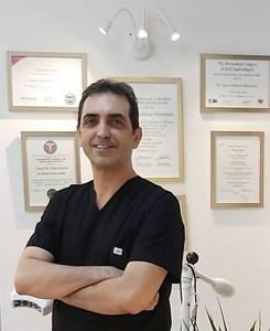 دکتر سید محمود خاتمیان دندانپزشک و جراح ایمپلنت های دندانی